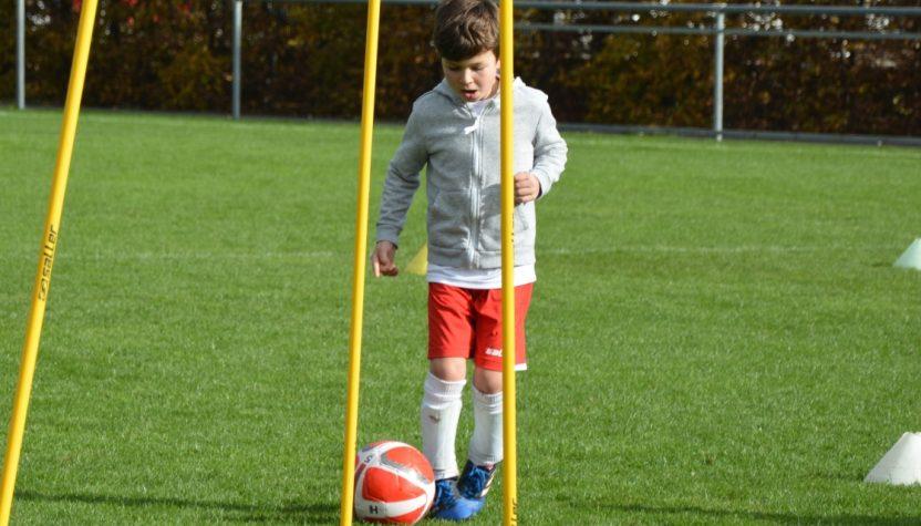 Würzburger Fussballschule Michael Hochrein - FLYERALARM SPORTS