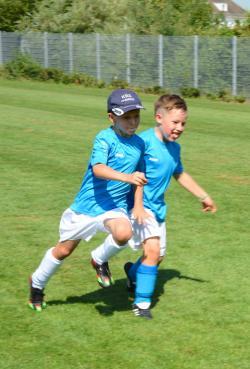 WuerzburgerFussballschule MichaelHochrein Sommer 2018 30